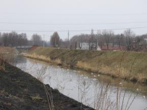 Zdjęcie 2. Brynica. Granica Katowic, Czeladzi iSosnowca.